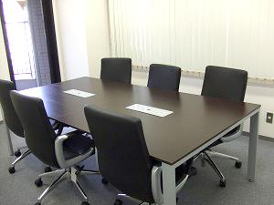 オフィス移転後の会議室